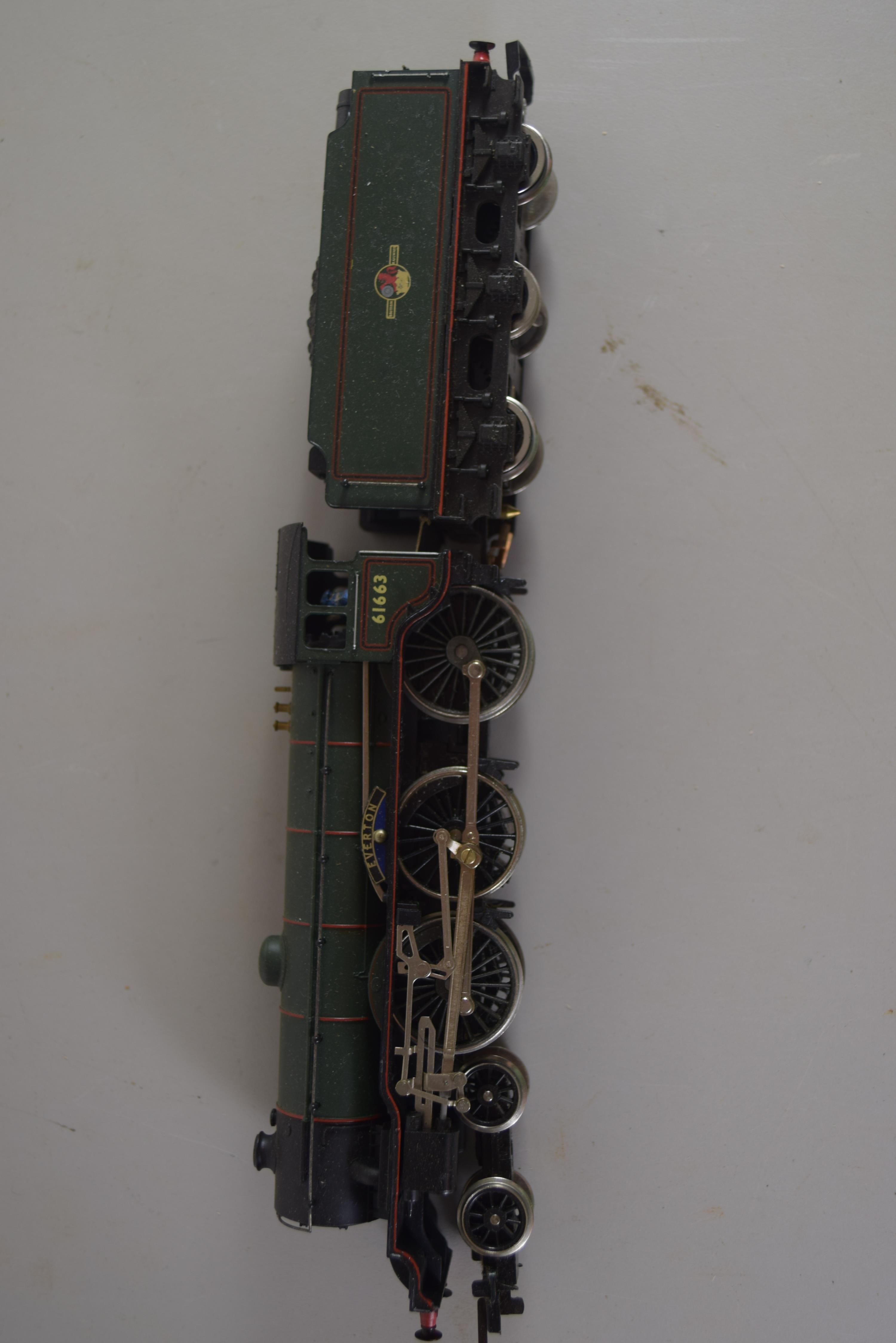 "Unboxed Hornby 00 gauge ""Everton"" locomotive no 61663"