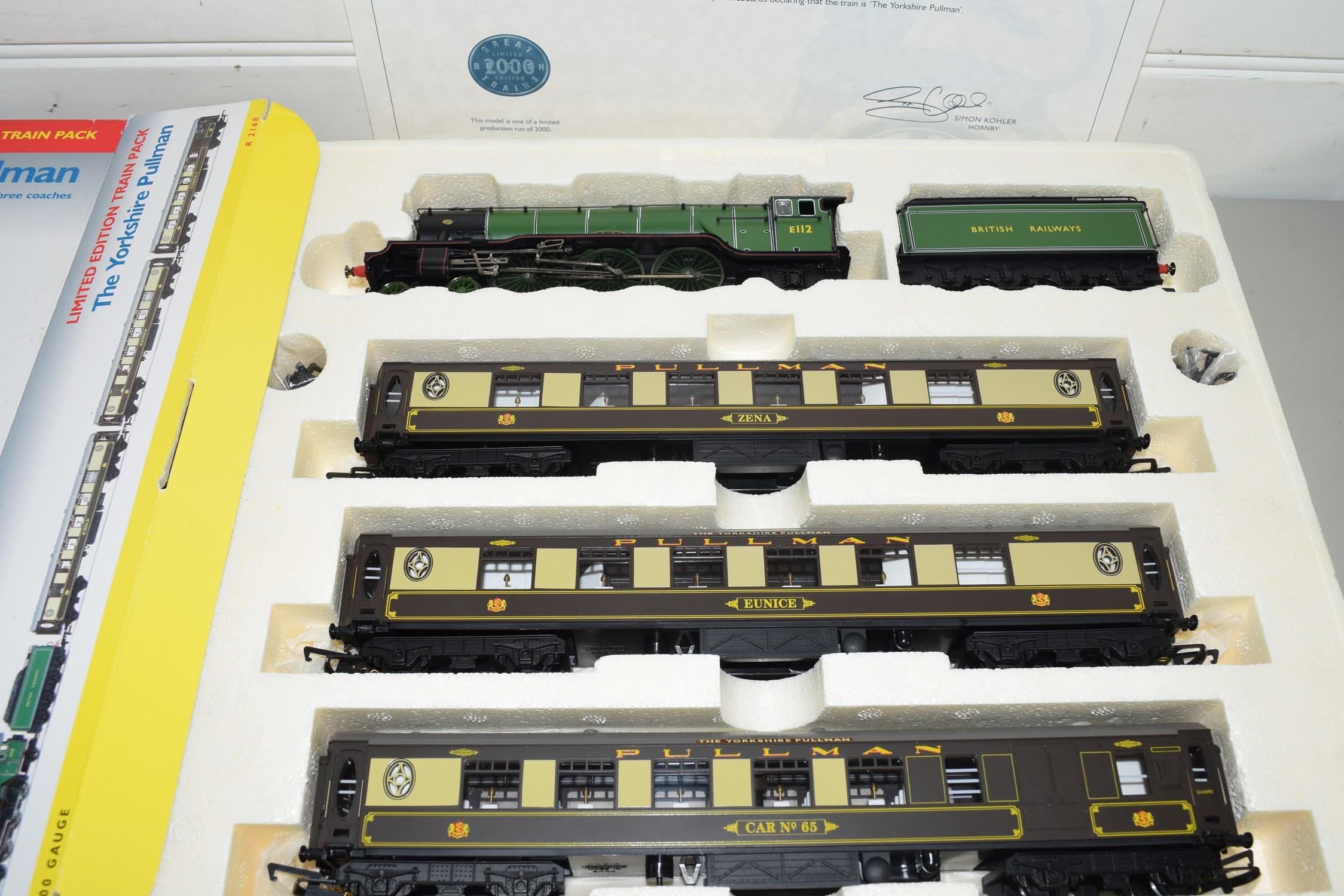 """Boxed Hornby 00 gauge """"The Yorkshire Pullman"""" set - Image 2 of 2"""