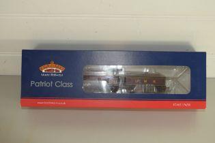 "Boxed Bachmann 00 gauge 31-212 Patriot ""Duke of Sutherland"" LMS crimson No 5541 locomotive"