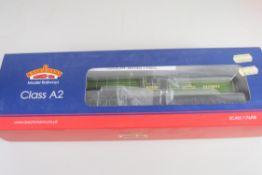 "Boxed Bachmann 00 gauge 31-527 Class A2 locomotive ""Tudor Minstrel"" BR Apple green No 60528"