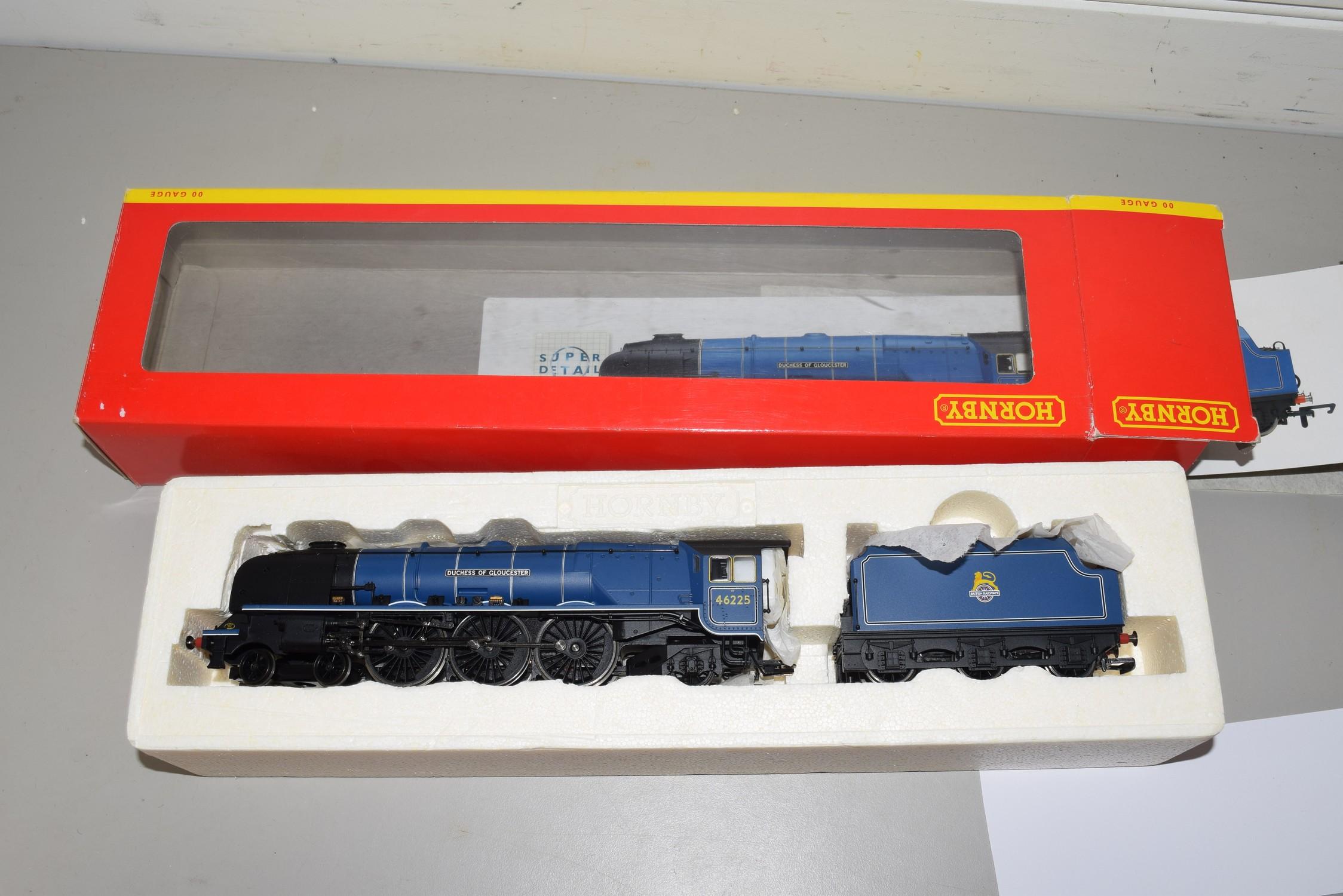 "Boxed Hornby 00 gauge R2386 BR 4-6-2 Princess Coronation class, ""Duchess of Gloucester"""