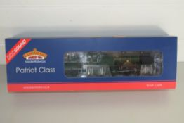 """Boxed Bachmann 00 gauge 31-213DS Patriot """"Royal Signals"""" BR Green late crest No 45504 locomotive"""