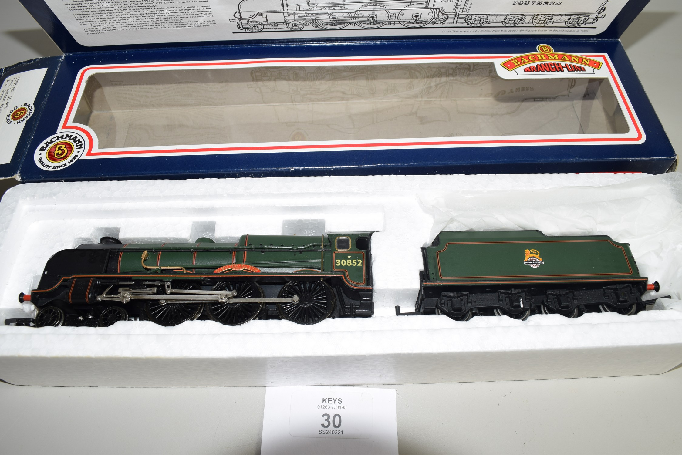 """Boxed Bachmann 00 gauge 31-405 Lord Nelson """"Sir Walter Raleigh"""", BR green No 30852 locomotive - Image 2 of 4"""