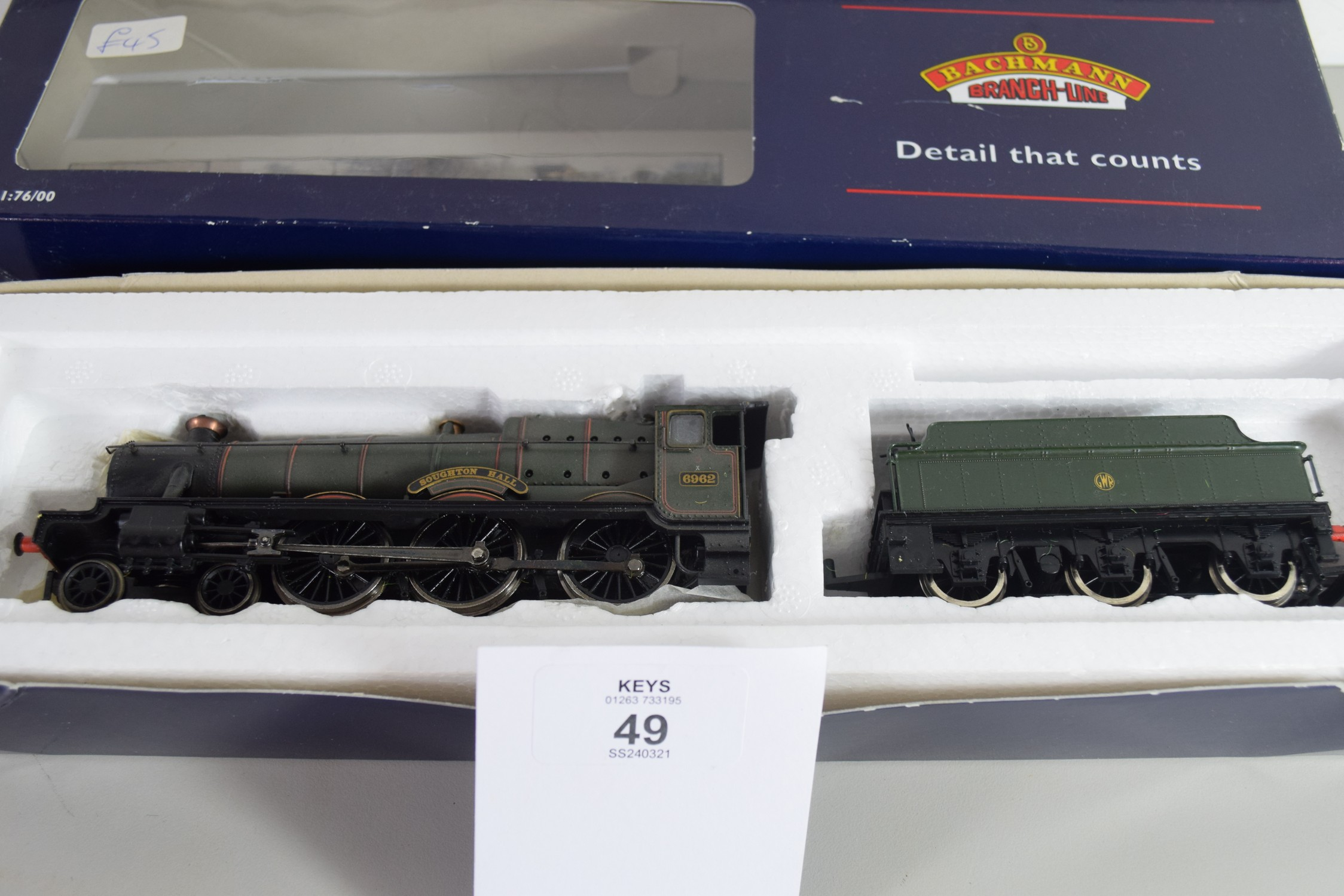 """Boxed Bachmann 00 gauge 31-777 modified haul """"Soughton Hall"""", GW lined green, No 6962 locomotive - Image 2 of 2"""