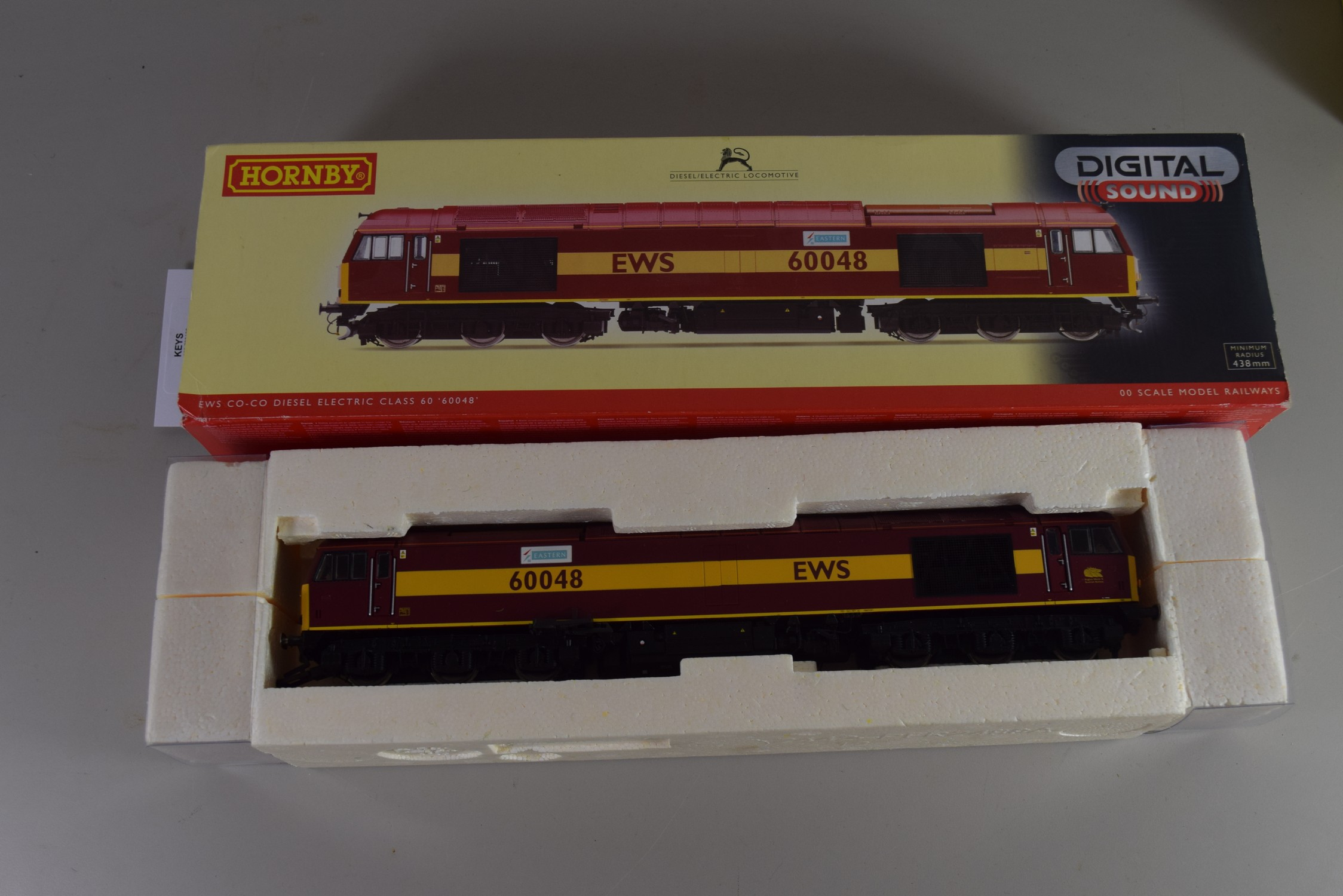 Boxed Hornby 00 gauge EWS Co-Co Diesel Electric Class 60 No 60048