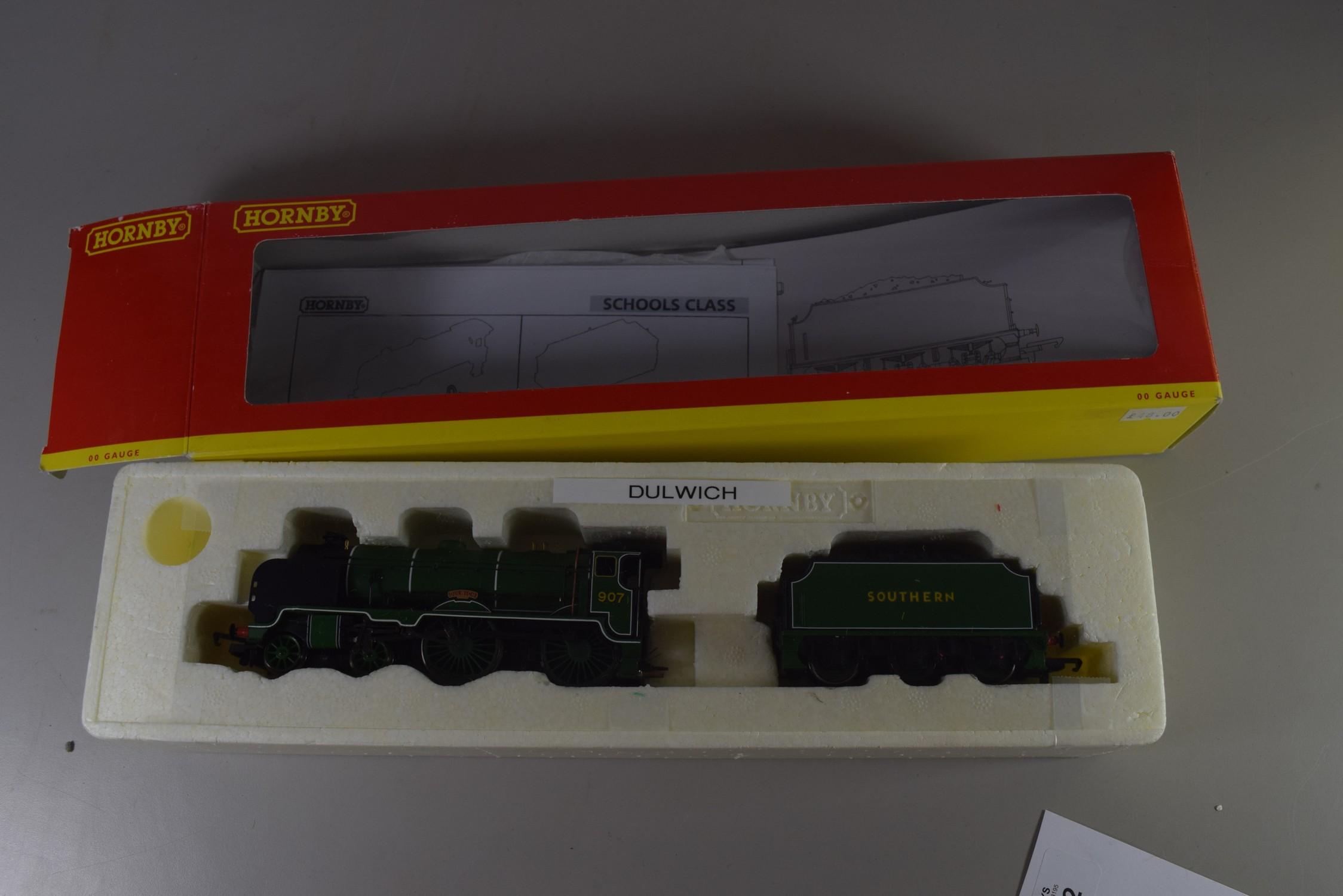 "Boxed Hornby 00 gauge R2124 BR 4-4-0 School class V locomotive ""Dulwich"", No 907"