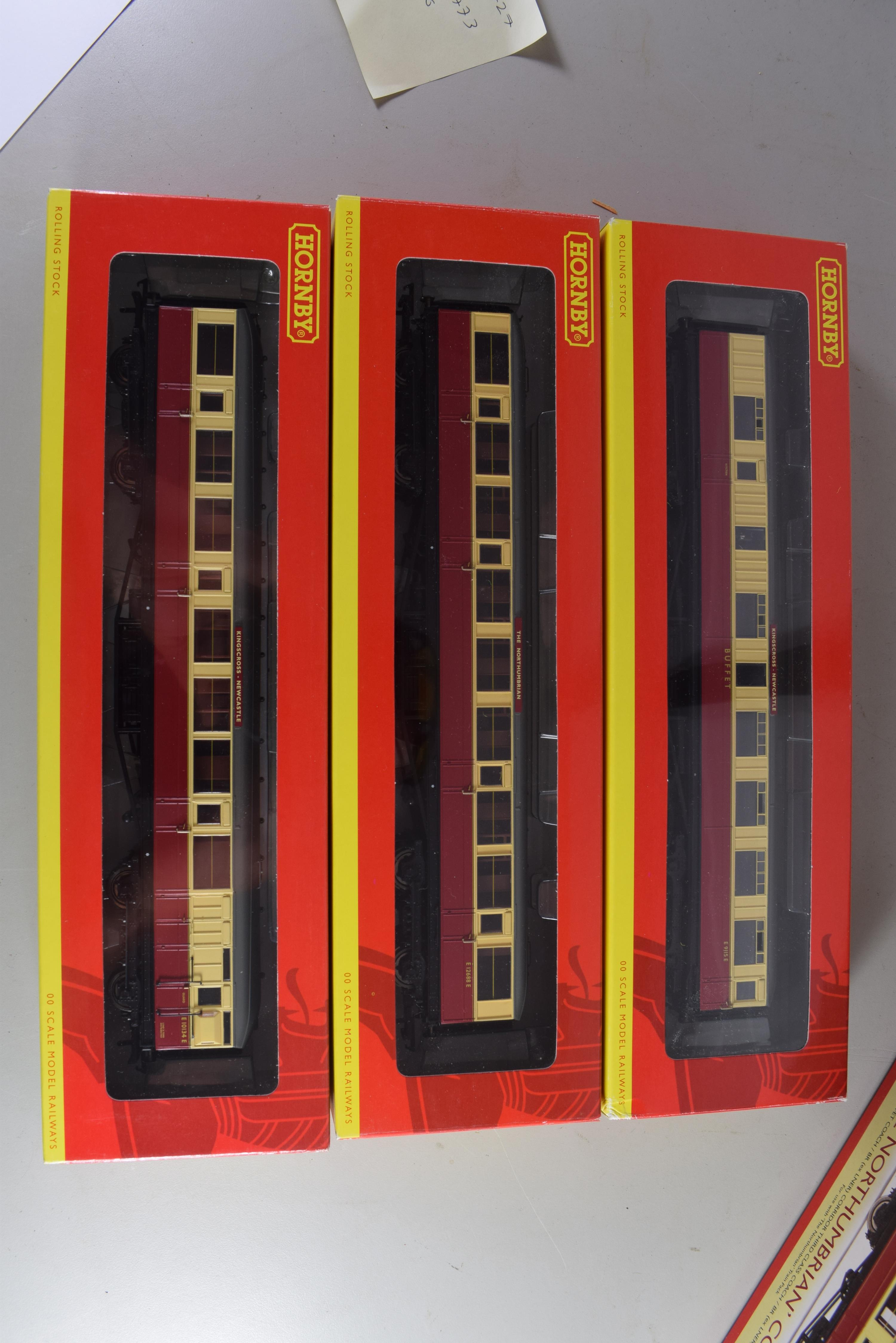 """Boxed Hornby """"The Northumbrian"""" coaches set 00 gauge to include brake coach, buffet car and third - Image 2 of 2"""