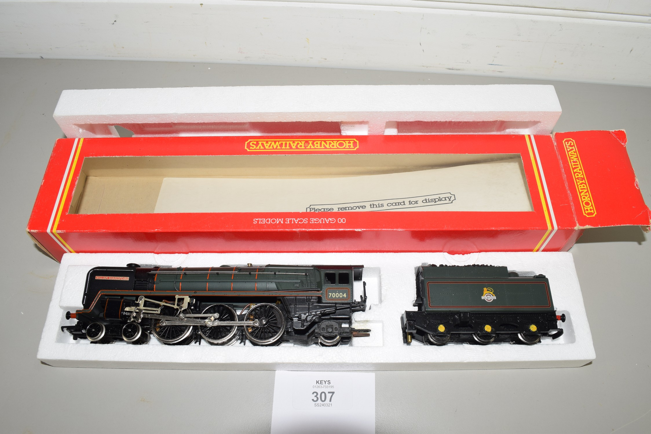 "Boxed Hornby 00 gauge R329 BR 4-6-2 ""William Shakespeare"" locomotive No 70004"
