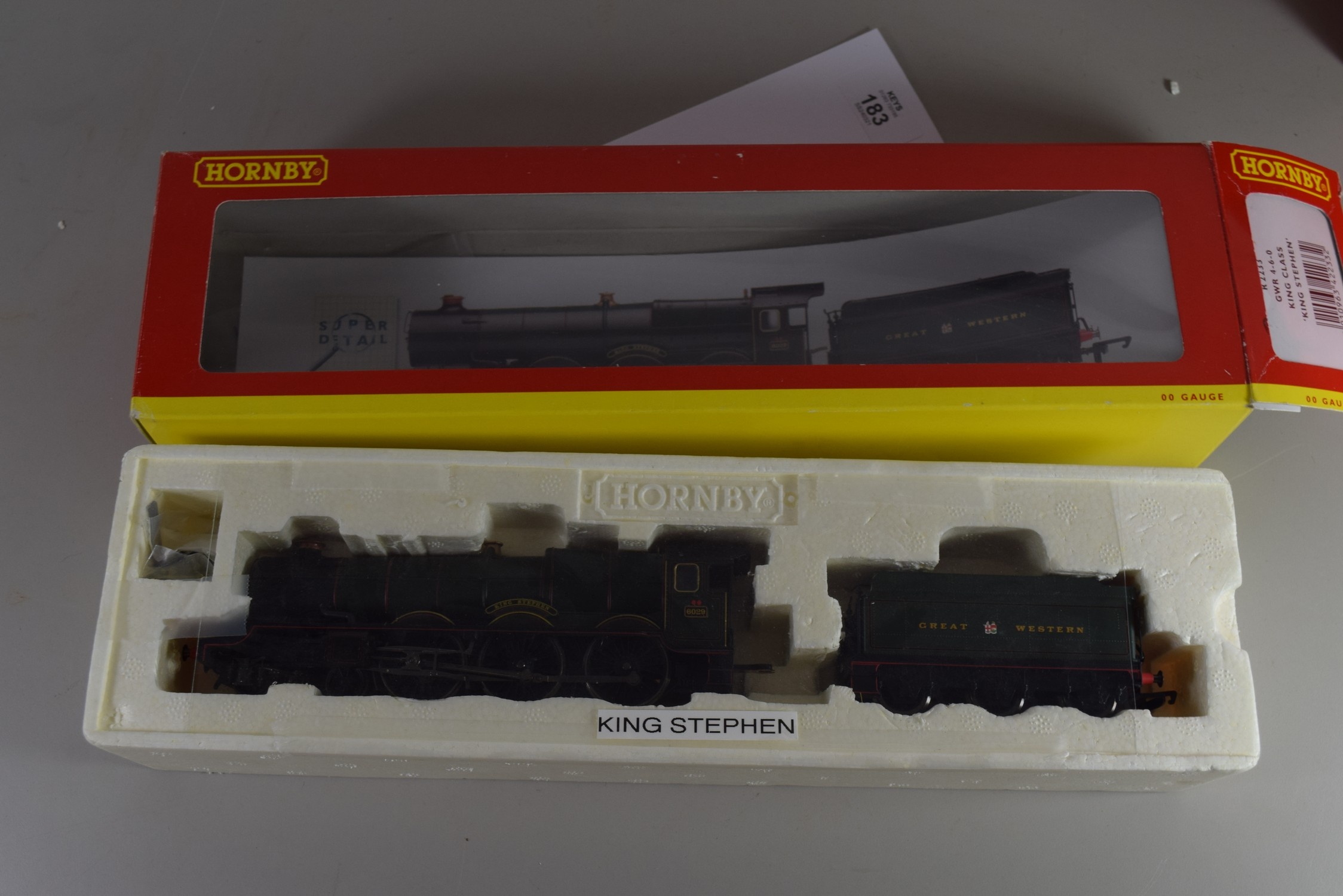"""Boxed Hornby 00 gauge R2233 GWR 4-6-0 King class """"King Stephen"""" locomotive No 6029"""
