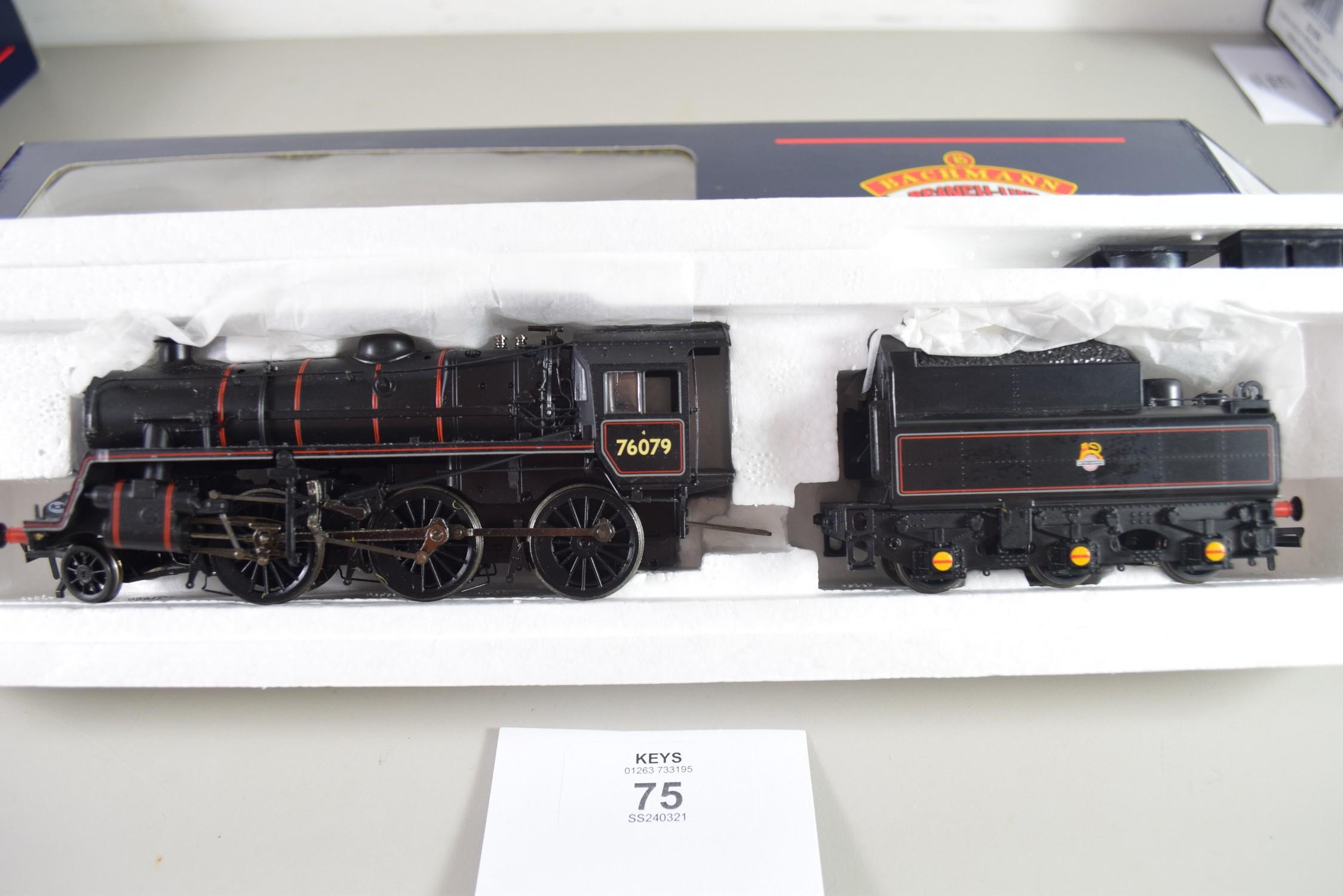 Boxed Bachmann 00 gauge 32-952A Standard class 4MT 2-6-0 BR2 tender, e-emblem, No 76079 locomotive - Image 2 of 2