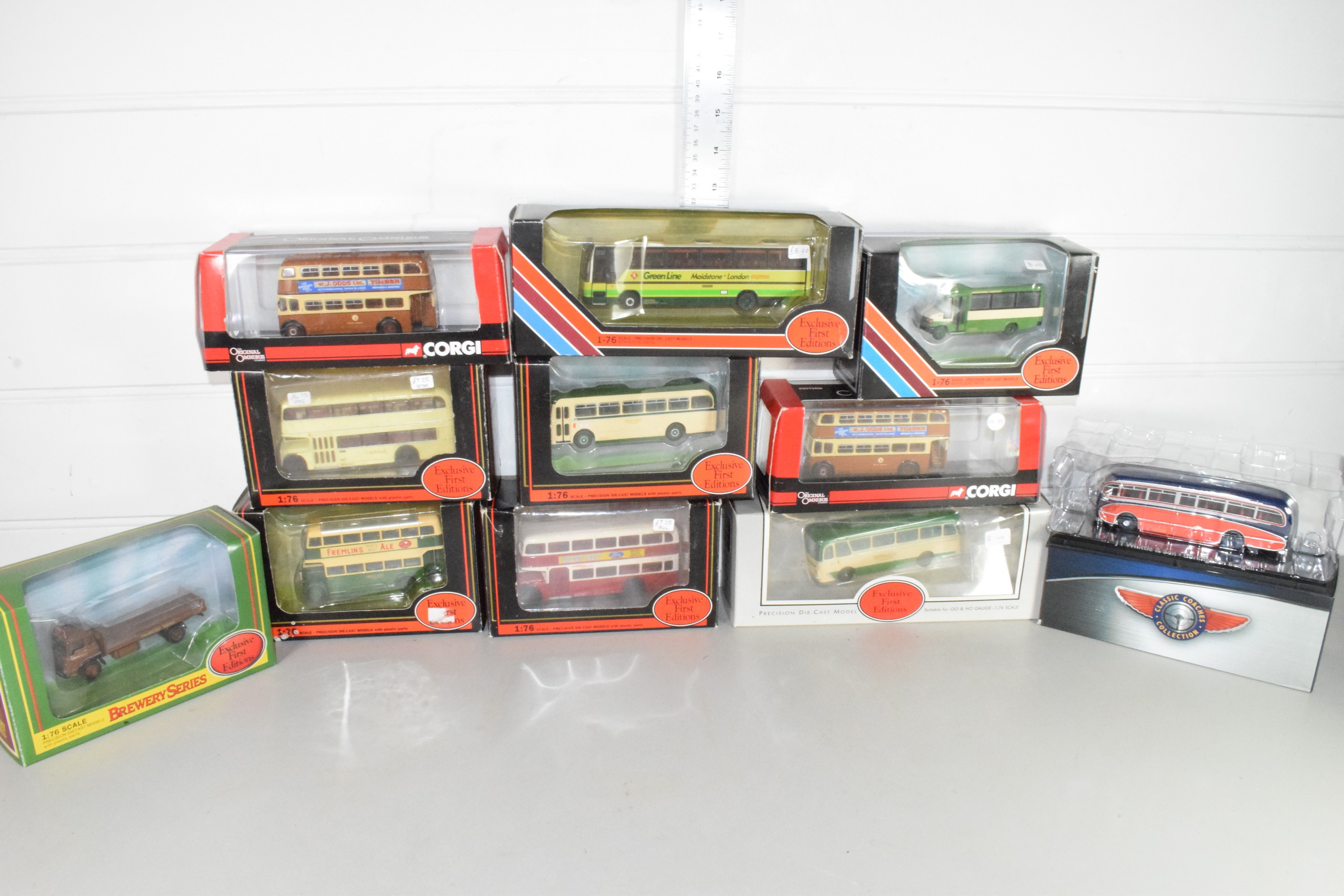 Tray containing a quantity of boxed model buses to include Corgi and Exclusive First Editions