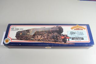 Boxed Bachmann 00 gauge 31-554 V2 double chimney BR green No 60903 locomotive