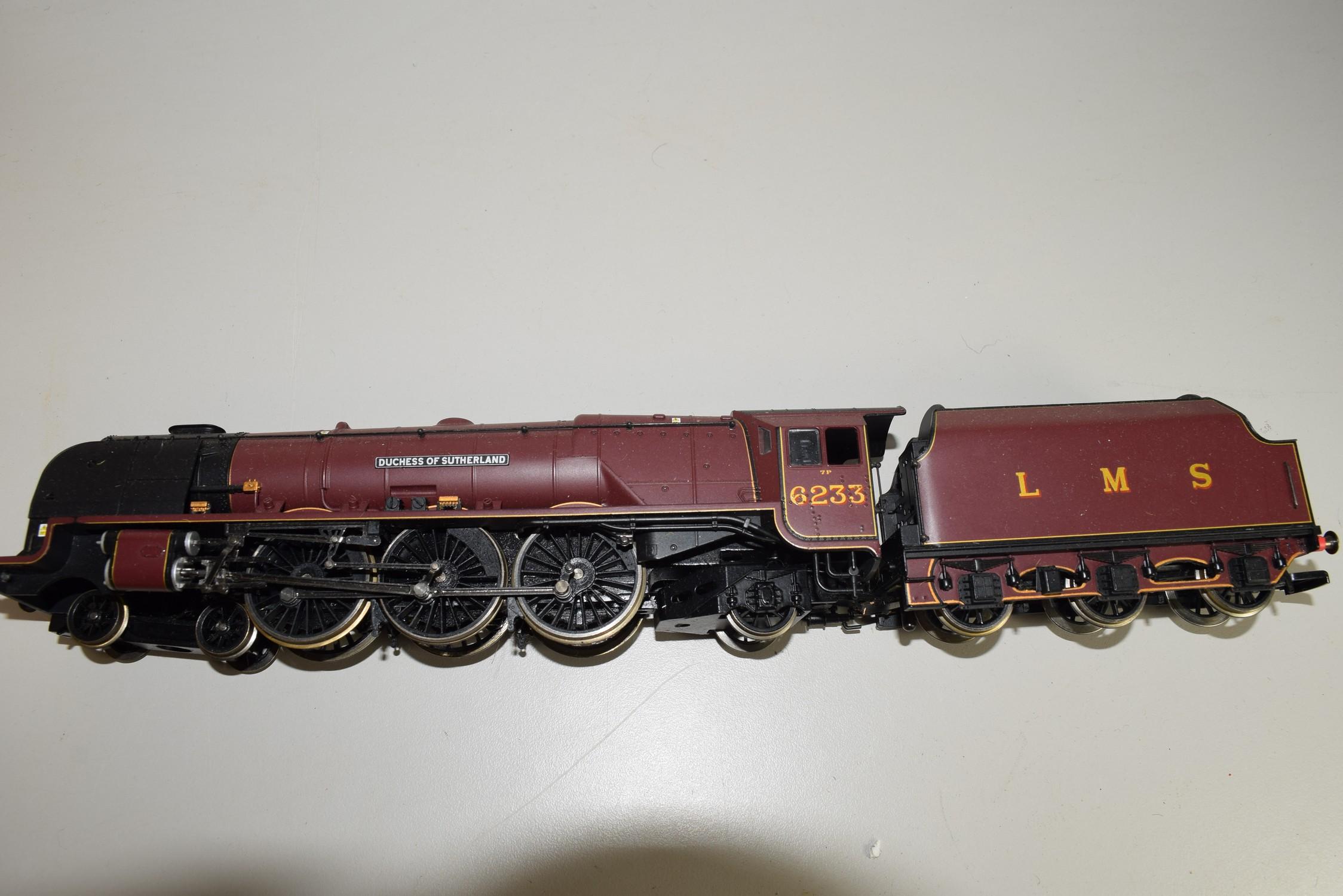 "Unboxed Hornby 00 gauge ""Ducheess of Sutherland"" locomotive no 6233"
