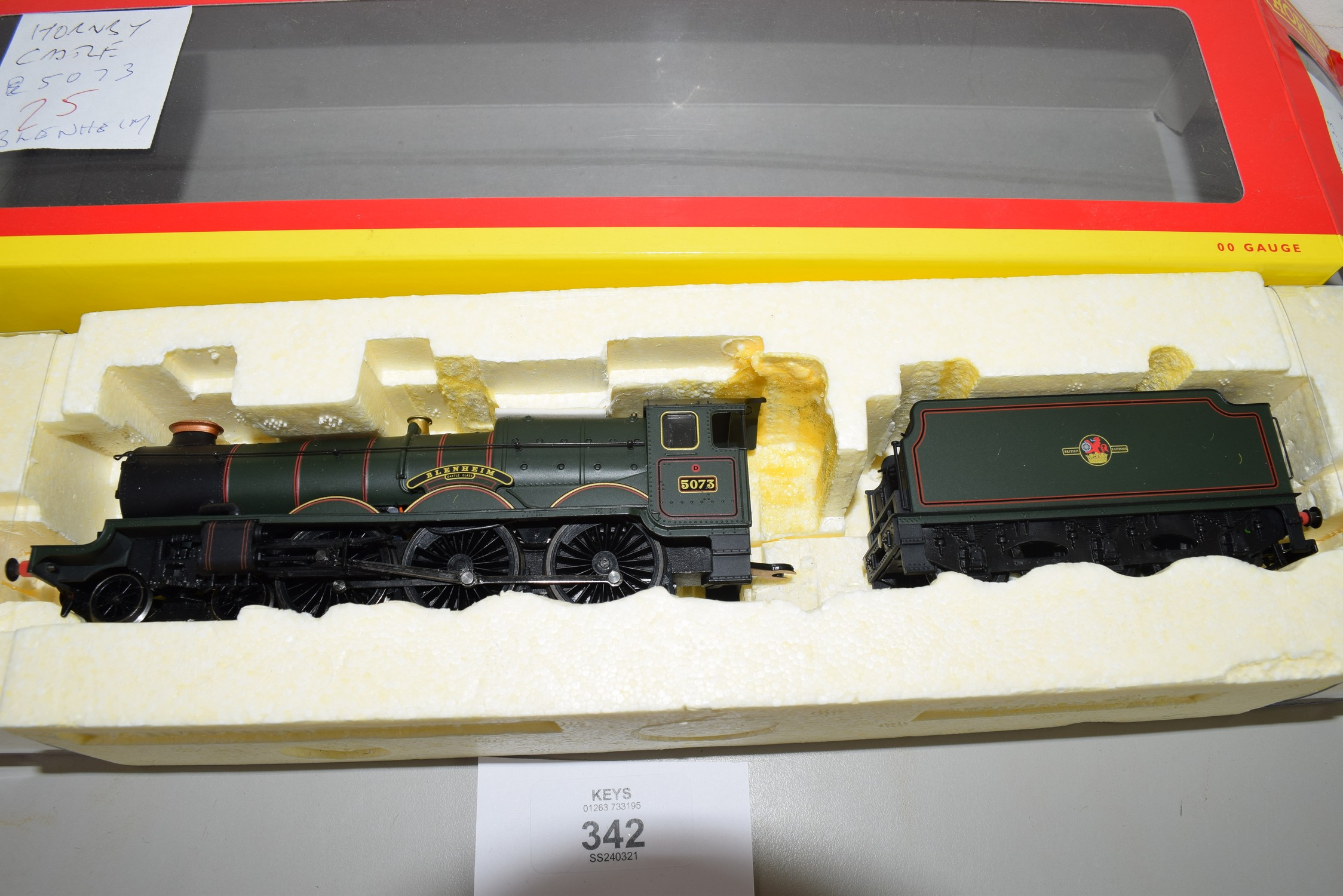 "Boxed Hornby 00 gauge Castle class ""Blenheim"" locomotive No 5073 (non-original box) - Image 2 of 2"