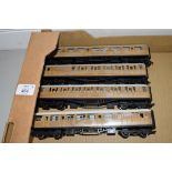 Unboxed Hornby 00 gauge group of four coaches, nos 22356 and 22357 and 4237