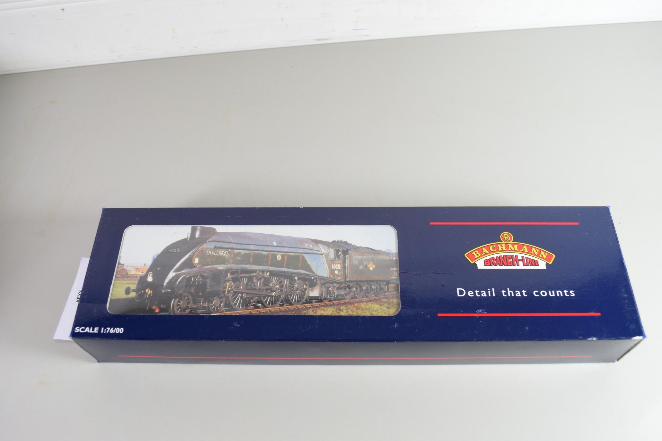 """Boxed Bachmann 00 gauge 31-959 A4 """"Miles Beevor"""", LNER garter blue, No 26 locomotive"""
