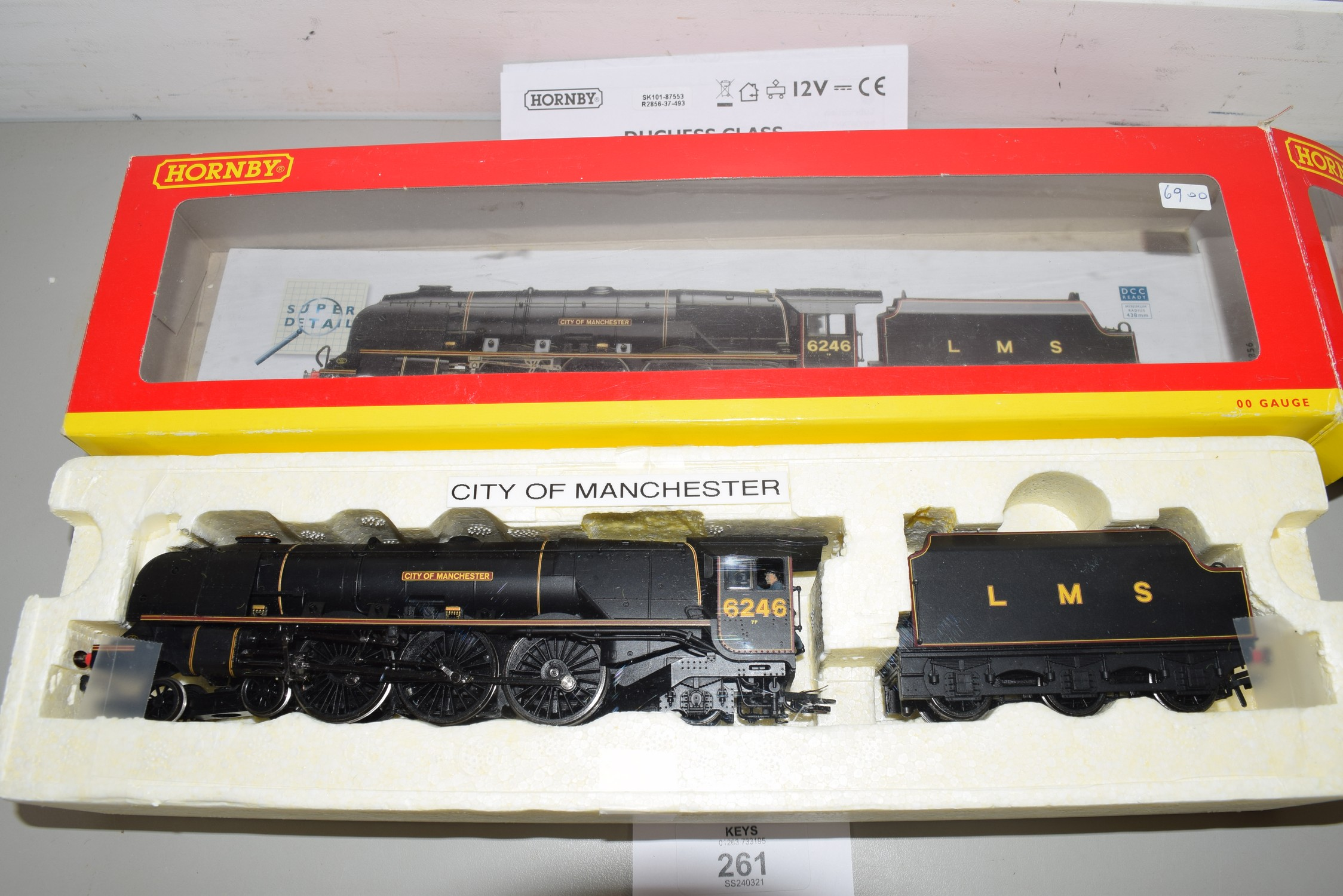 """Boxed Hornby 00 gauge R2856 LMS 4-6-2 Duchess class """"City of Manchester"""" locomotive No 6246"""