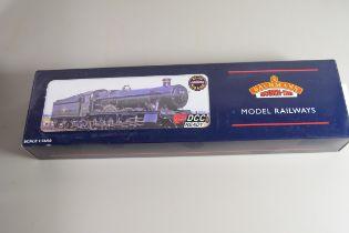 "Boxed Bachmann 00 gauge 32-002 ""St Edmund Hall"" BR black, early emblem, No 5960 locomotive"