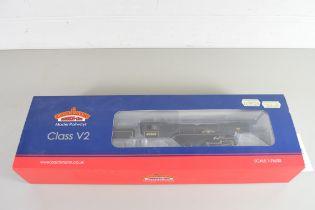 "Boxed Bachmann 00 gauge 31-564 Fast V2 ""Durham School"" BR black, early emblem No 60860 locomotive"