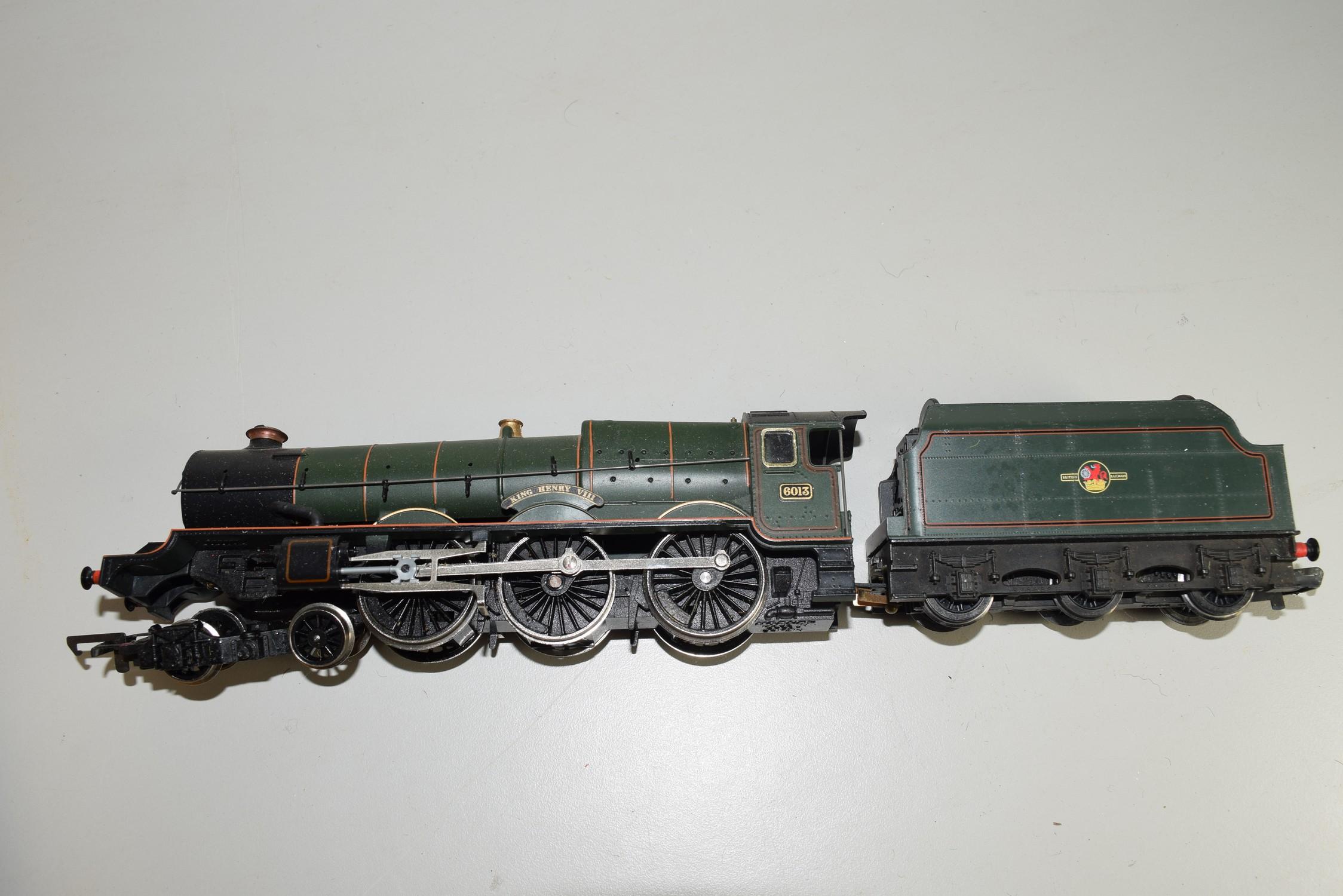 "Unboxed Hornby 00 gauge ""King Henry VIII"" locomotive no 6013"