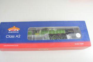 "Boxed Bachmann 00 gauge 31-525 Class A2 locomotive ""A.H. Peppercorn"", LNER Apple green No 525"
