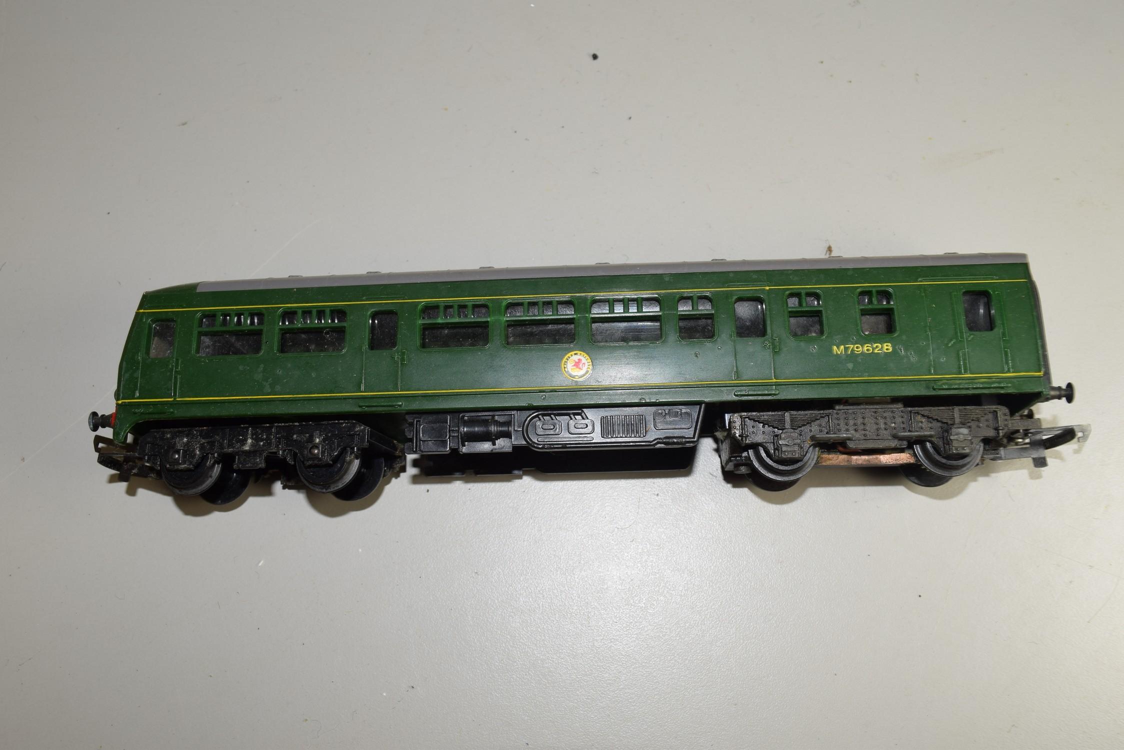 Unboxed 00 gauge Triang locomotive no M79628