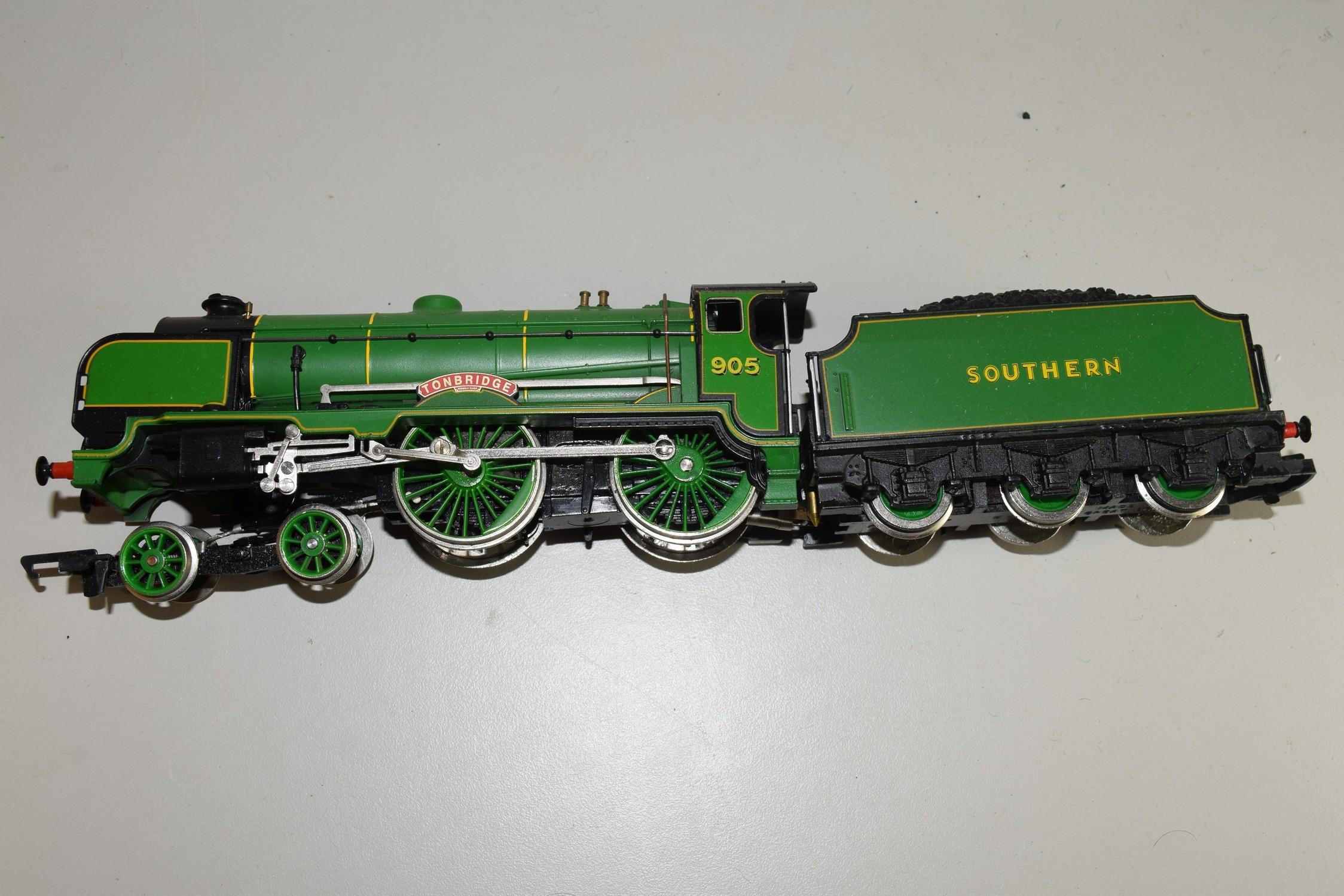 """Unboxed Hornby 00 gauge """"Tonbridge"""" locomotive no 905"""