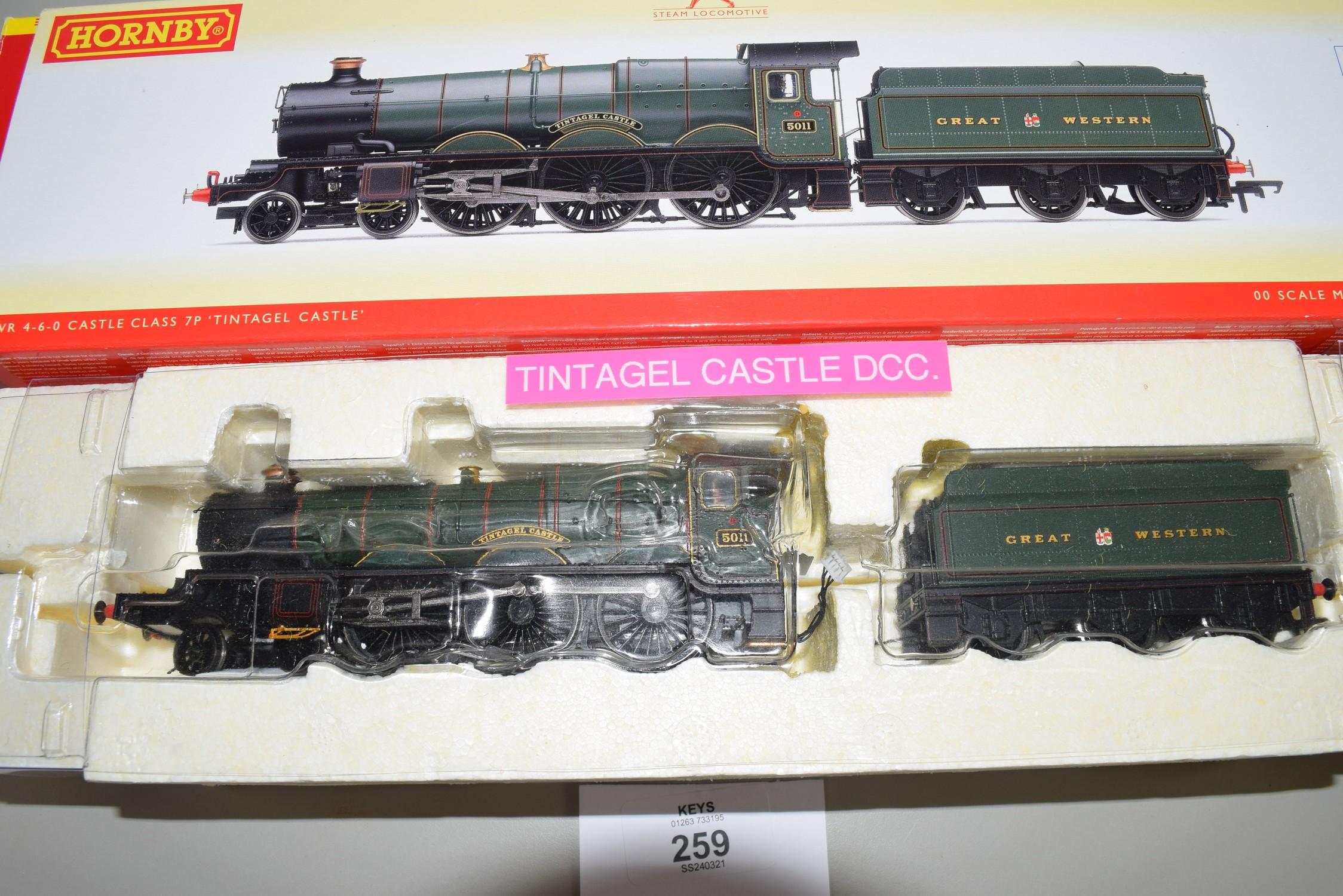 """Boxed Hornby 00 gauge R2848 X GWR Castle class """"Tintagel Castle"""" locomotive No 5011"""