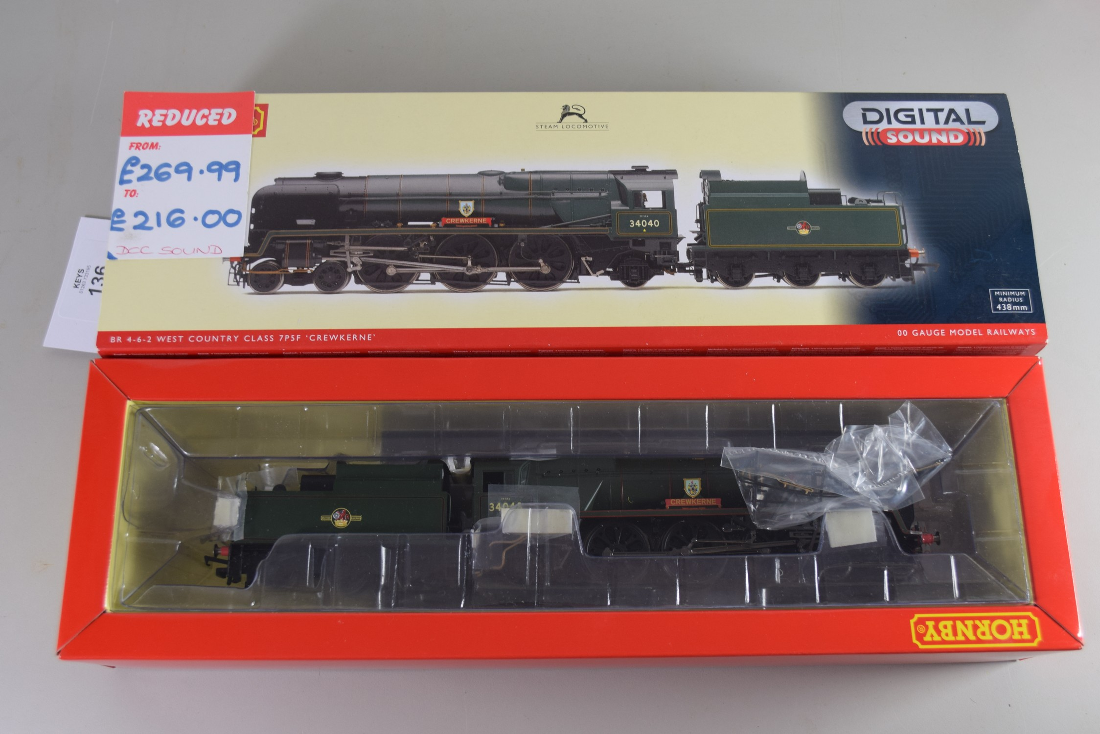 """Boxed Hornby 00 gauge R2997XS BR 4-6-2 rebuilt West Country """"Crewkerne"""" No 34040"""