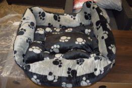 PAWS PLUSH SQUARE DOG BED, REVERSIBLE, BLACK/GREY, LARGE