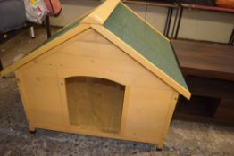 OUTDOOR DOG HOUSE, APPROX 103CM X 85CM