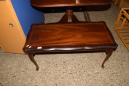 REPRODUCTION COFFEE TABLE WITH STRUNG DECORATION, LENGTH APPROX 96CM
