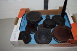 BOX CONTAINING WOODEN STANDS, MAINLY FOR CHINESE CERAMICS