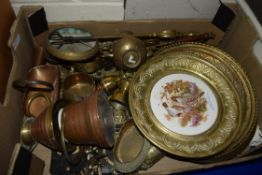 TRAY CONTAINING METAL WARES AND DECORATIVE PLAQUES