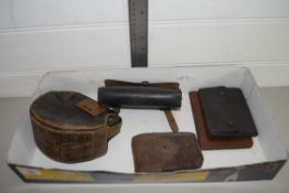 SMALL BOX CONTAINING VINTAGE LEATHER PURSES