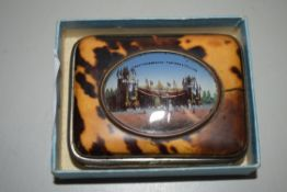 SMALL TORTOISESHELL TYPE PURSE INSET WITH A PICTURE OF AMSTERDAM