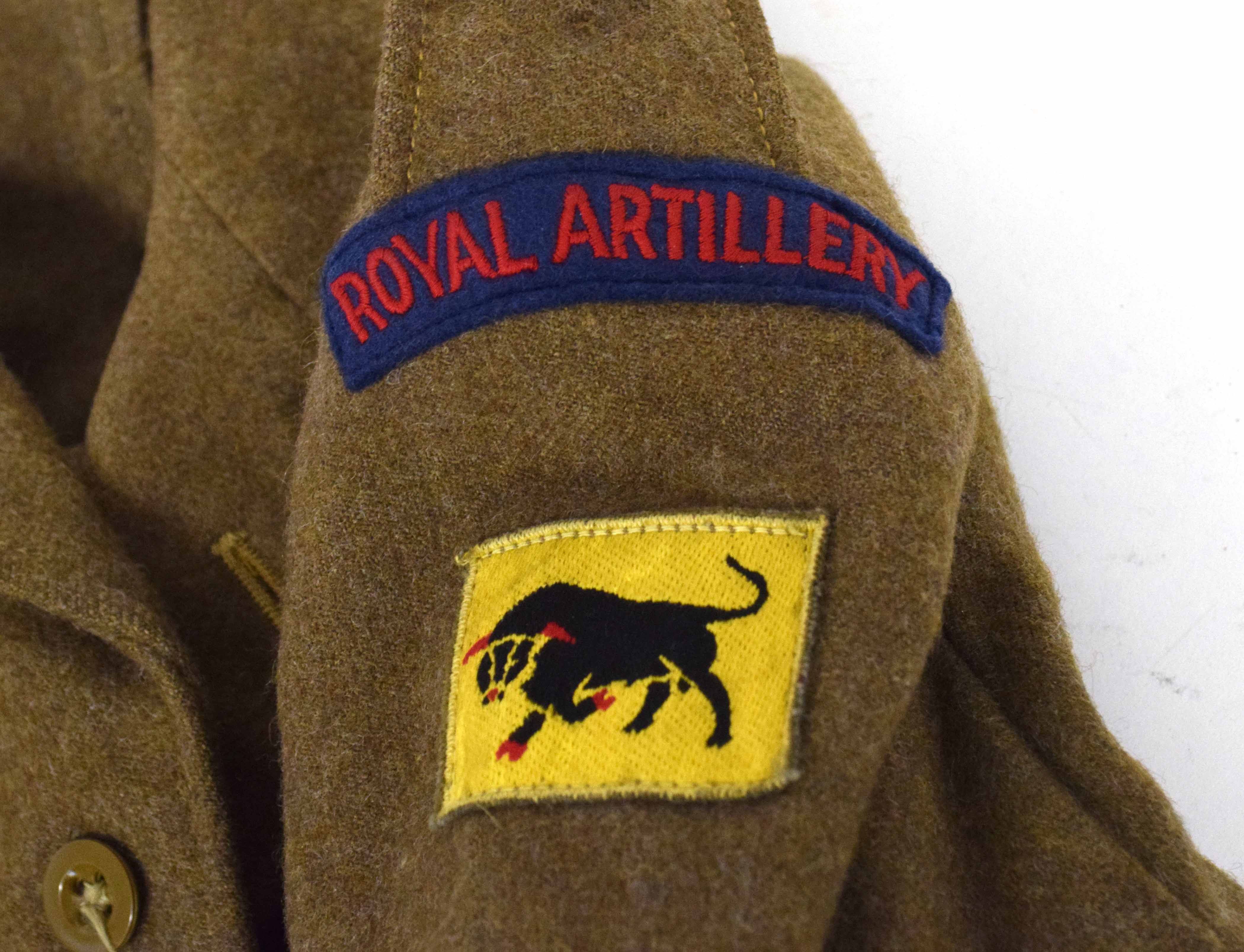 Set of battle dress 1949 pattern to include blouse dated 1952, size 8, badged up to 11th Armoured - Image 2 of 4