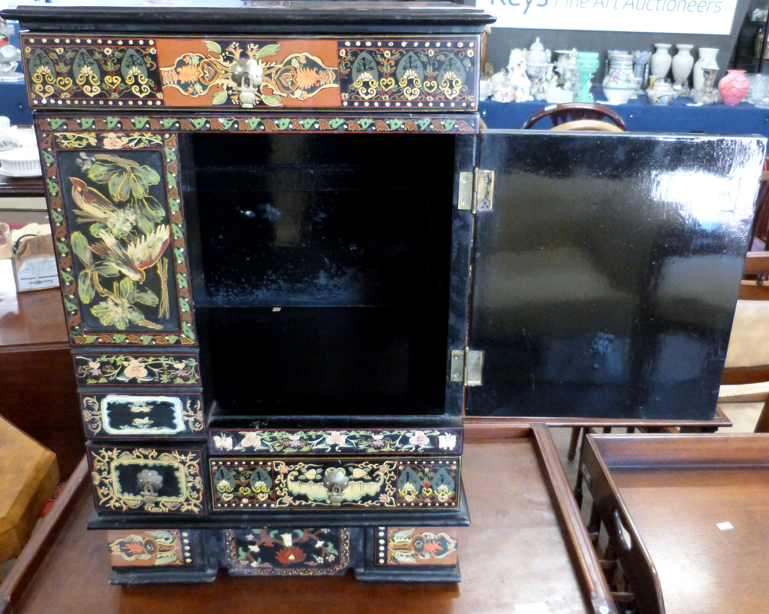 Mid-20th century Oriental style decorative table cabinet with painted scenes of Japanese figures, - Image 3 of 3
