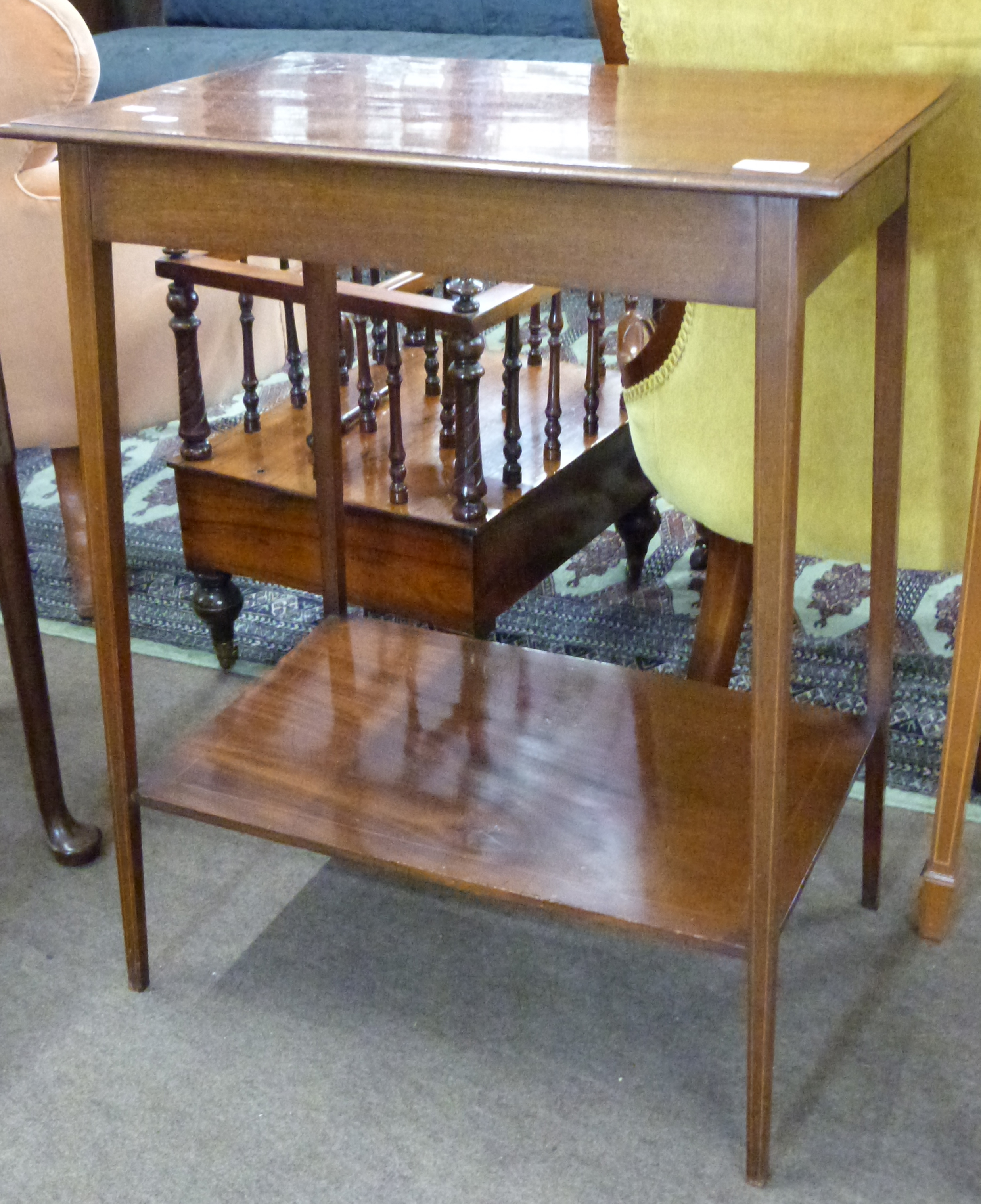 Small mahogany side table with strung and cross banded decoration, approx 56 x 37cm - Image 3 of 3