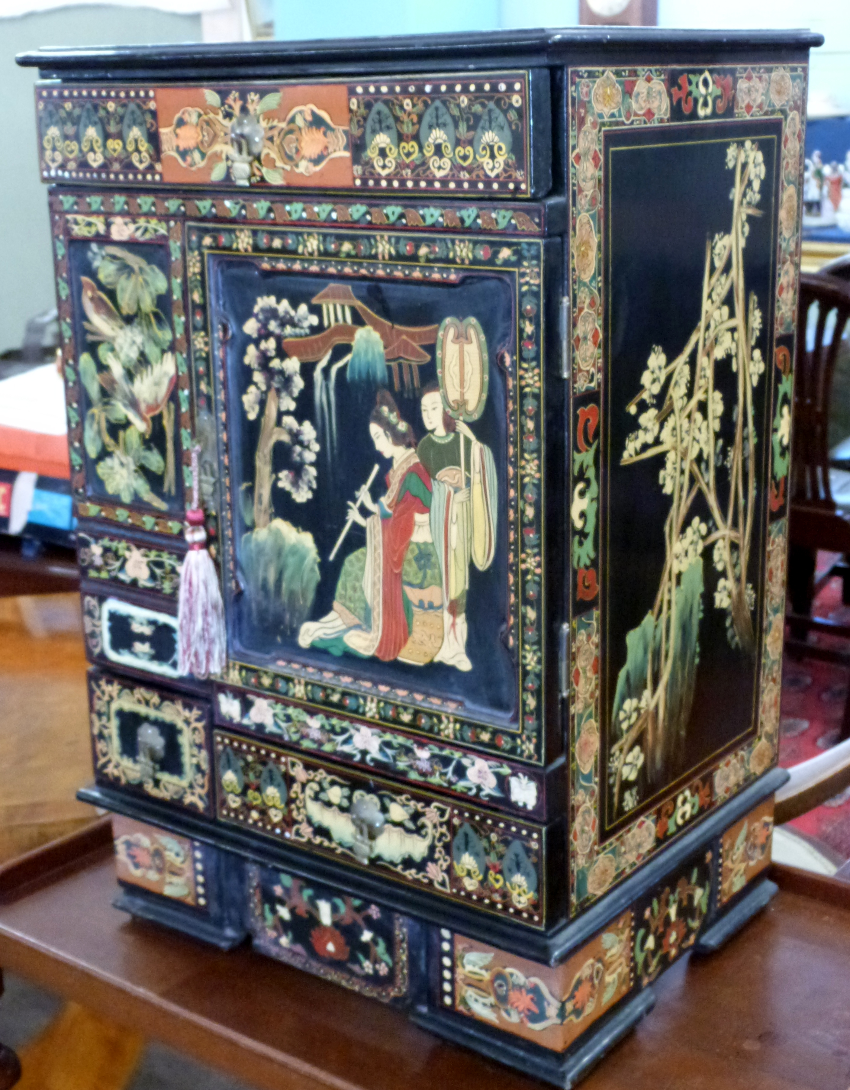 Mid-20th century Oriental style decorative table cabinet with painted scenes of Japanese figures, - Image 2 of 3