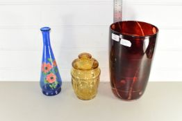 THREE PIECES OF GLASS WARES COMPRISING A LARGE ART GLASS VASE, HEIGHT APPROX 31CM TOGETHER WITH