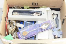 BOX CONTAINING COLLECTABLE SPOONS