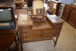 EARLY 20TH CENTURY OAK DRESSING TABLE WITH BARLEY TWIST LEGS, LENGTH APPROX 108CM