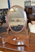19TH CENTURY MAHOGANY DRESSING TABLE MIRROR WITH OVAL MIRROR PLATE OVER A SERPENTINE BASE WITH THREE