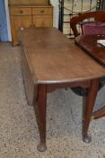 LARGE GEORGIAN MAHOGANY OVAL DROP LEAF DINING TABLE ON TAPERING LEGS WITH PAD FEET, 73CM HIGH X