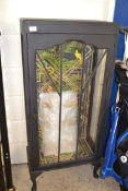 SHABBY CHIC PAINTED DISPLAY CABINET WITH STYLISH PAPER LINED INTERIOR, 56CM WIDE