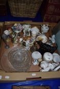 BOX OF VARIOUS MIXED WARES TO INCLUDE BESWICK AND GOEBEL MODEL BIRDS, A JACKFIELD POTTERY COW