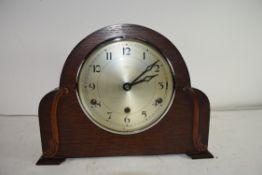 EARLY 20TH CENTURY OAK CASED MANTEL CLOCK