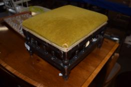 SMALL VICTORIAN FOOT STOOL WITH TURNED DETAIL