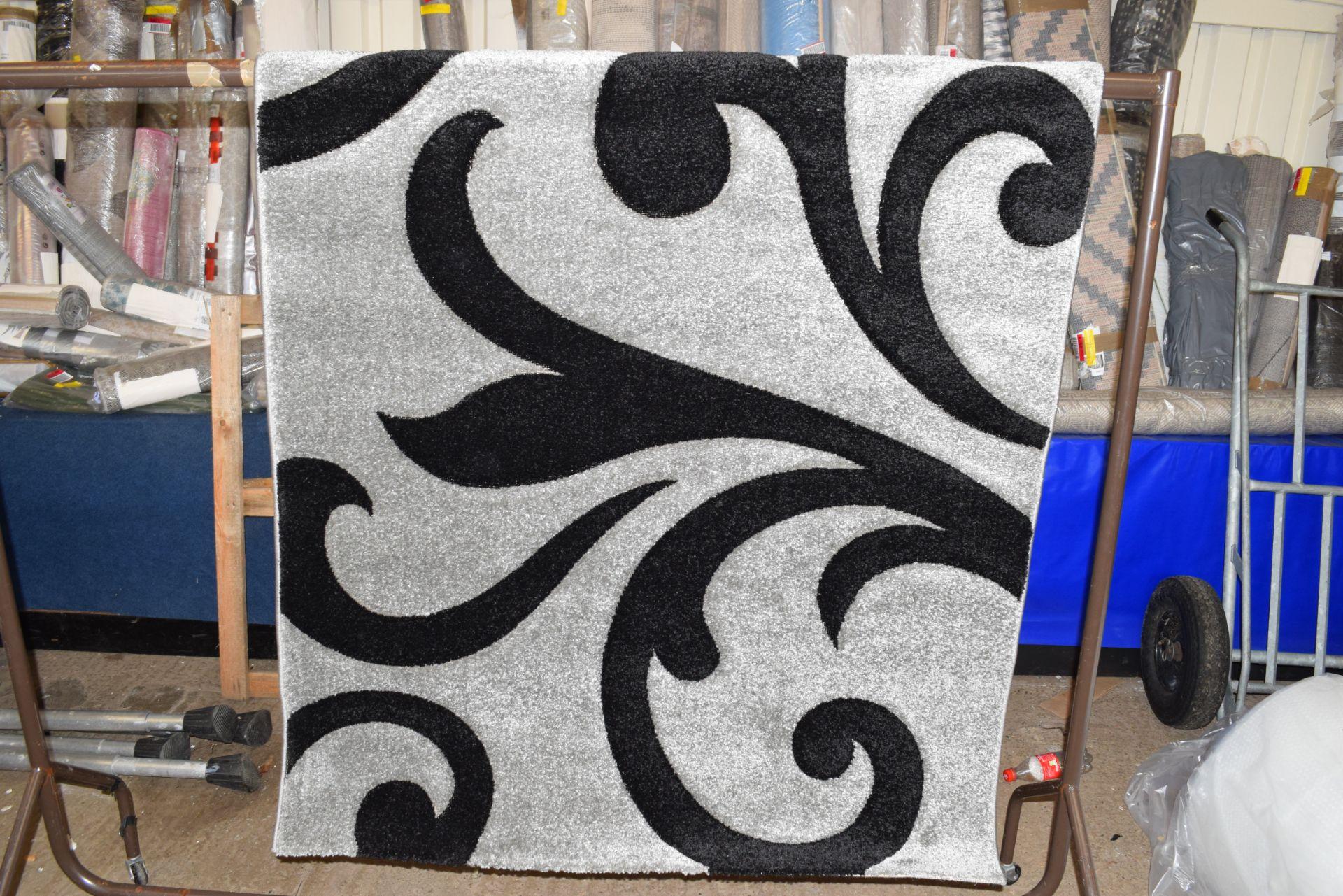 Charlie Grey rug, 120 x 170cm - Image 2 of 3